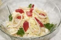 Салат из кальмаров ( с китайской капустой)