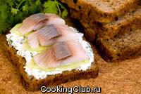 Русский бутерброд с сельдью