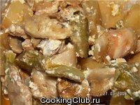 Фасоль с беконом и грибами