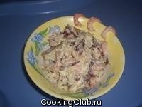 Салат с финиками и креветками