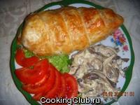 Фаршированное куриное филе в слоеной